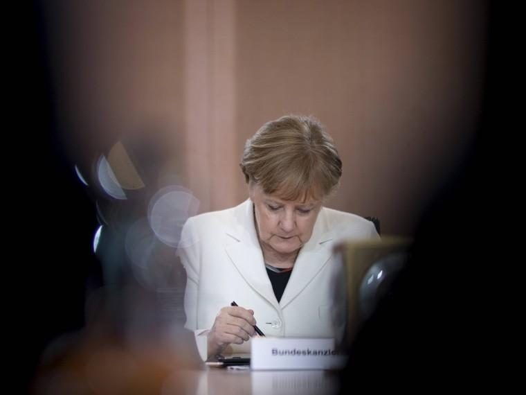канцлер германии собирается обсуждать вероятность бойкота чемпионата мира