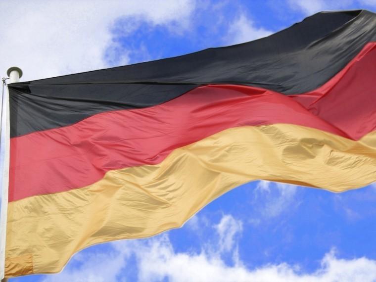 неизвестные масках напали консульство германии крите