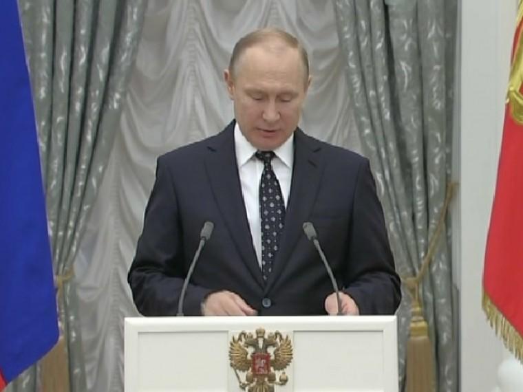 Путин: Россия проведет соревнования для паралимпийцев, недопущенных доИгр вПхёнчхане