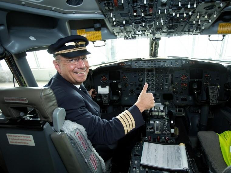 германии пьяного пилота снимали рейса минуты вылета