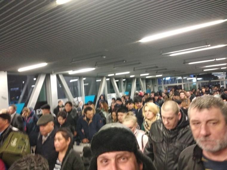 Ваэропорту «Пулково» рассказали о«массовой эвакуации» пассажиров из-за пожарной сигнализации