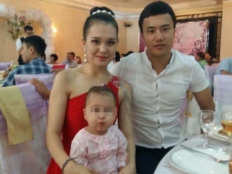 известная казахская телеведущая погибла лифте глазах маленькой дочери