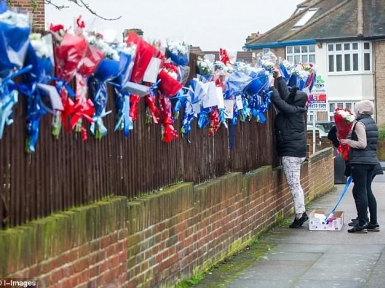 травля розами лондоне цыганская родня убитого грабителя мстит