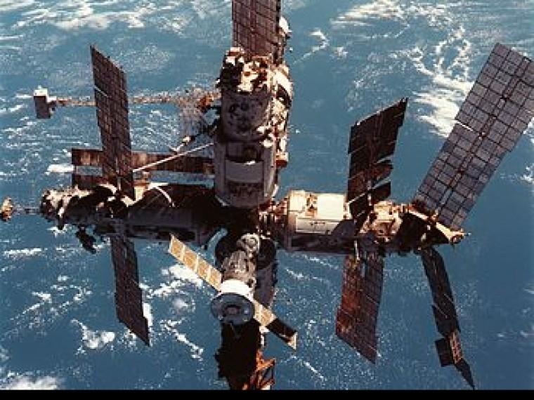 Учебные пособия для вундеркиндов: сочинскому «Сириусу» подарят настоящий космический корабль