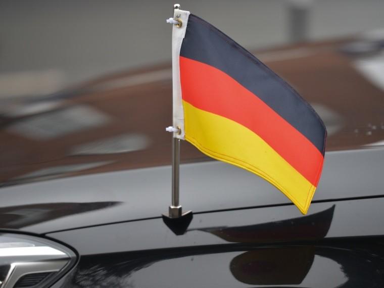 политолог прокомментировал решение германии отказаться санкций против россии