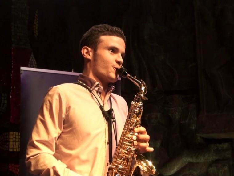 Подающий надежды 18-летний саксофонист Матвей Шерлинг скончался вМоскве