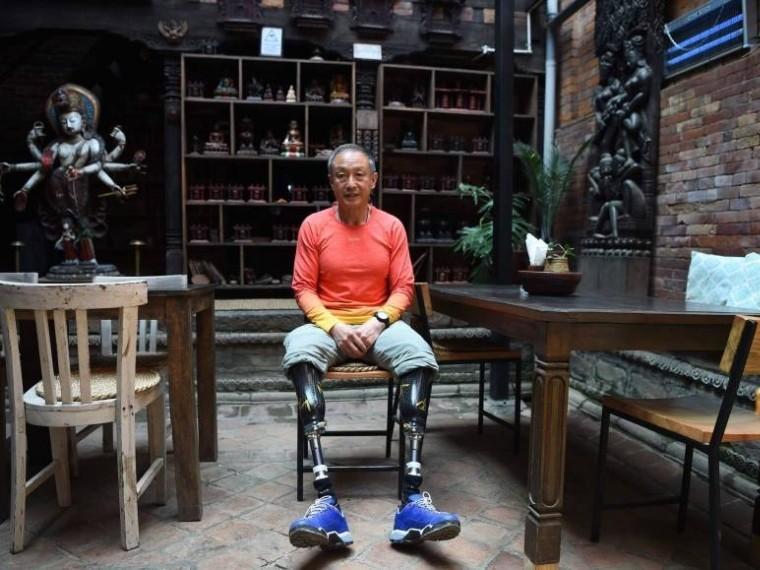 безногий китайский пенсионер поднялся вершину эвереста