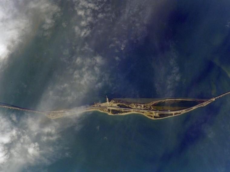 Google-карты разглядели Крымский мост спустя двое суток