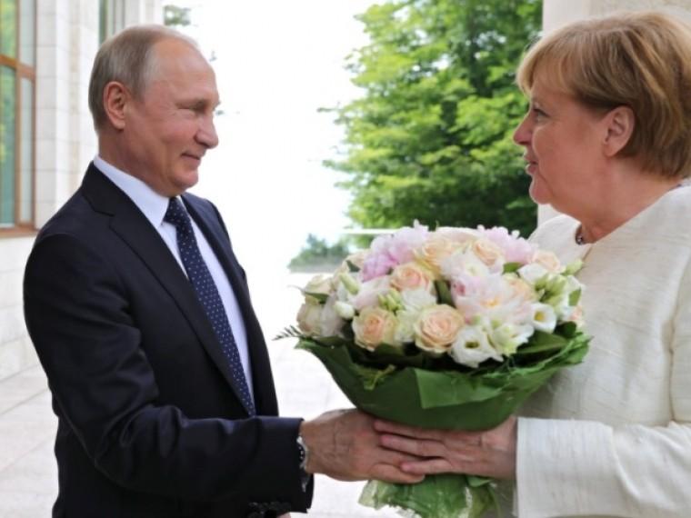 любая встреча политиков сопровождается цветами эксперт букете путина