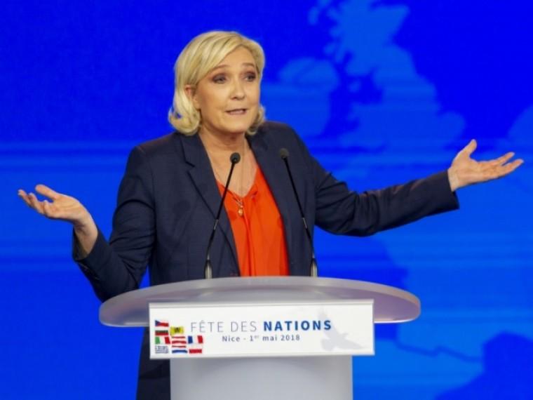 Эксперт объяснил внезапные иагрессивные нападки ЛеПен наЕвросоюз