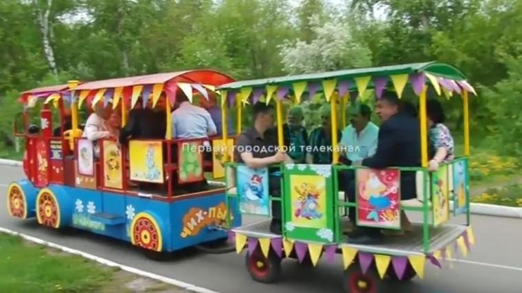 омские депутаты провели выездную встречу детском паровозике