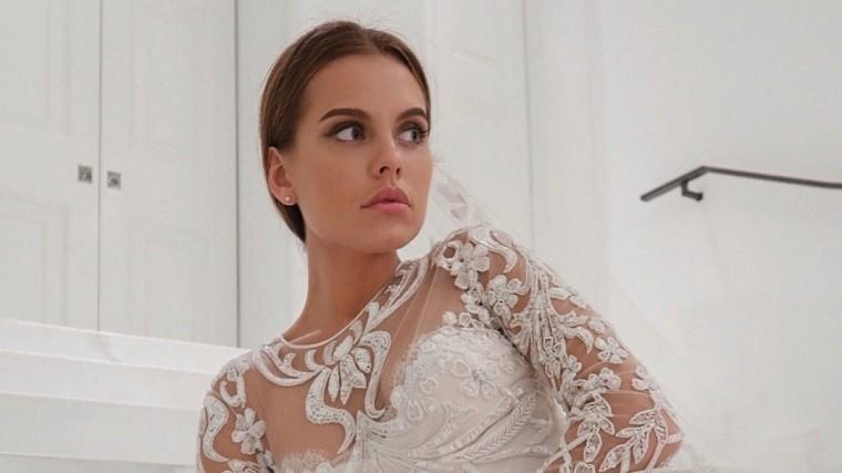 Счастливая Дарья Клюкина выложила неожиданные фотографии всвадебном платье