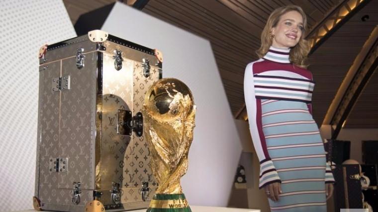 Водянова иЛам вынесут Кубок мира перед финалом ЧМ-2018