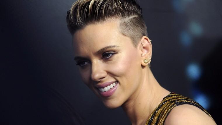 Скарлет Йоханссон после шквала критики отказалась сыграть трансгендера