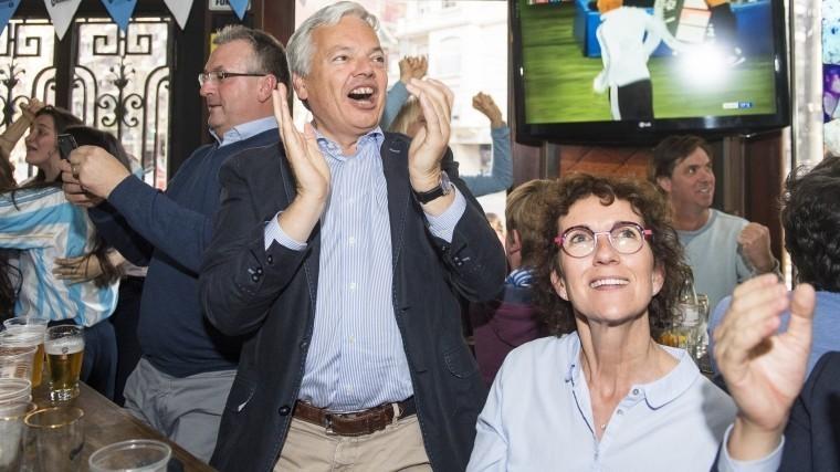 видео глава мид бельгии выпил пива петербурге матчем