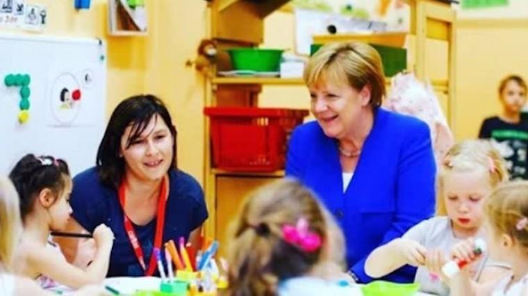меркель стала героем секс-скандала фото детском саду
