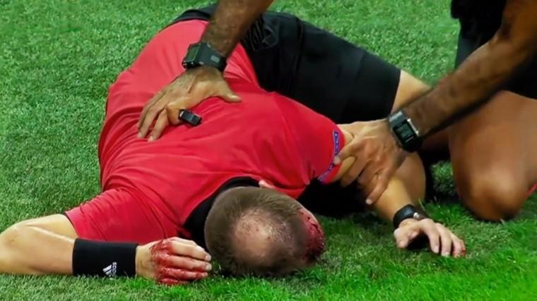 Вовремя квалификационного матча Еврокубка судье разбили голову— фото
