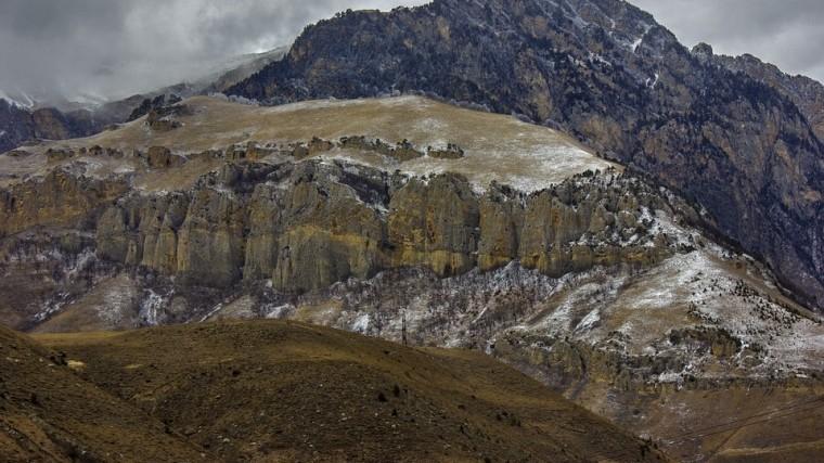 вертолет мчс готовится вылететь помощь туристам замерзающим алтае