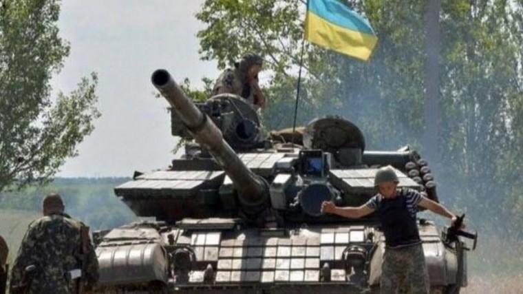 украинские военные обстреляли поселок луганском гранатомета видео