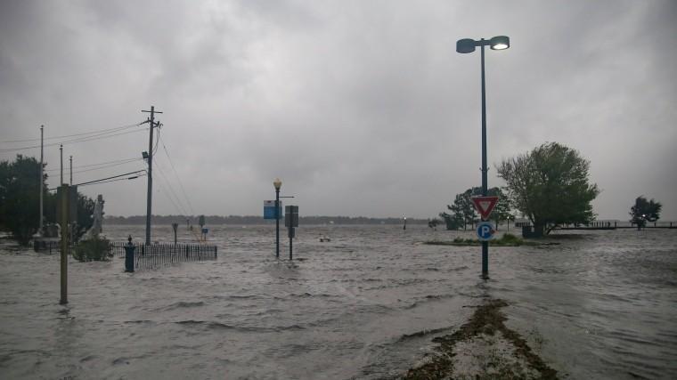 Видео: ураган «Флоренс» обрушился наСША