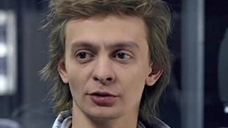 devchonka-zavelas-ne-na-shutku-otlichnogo