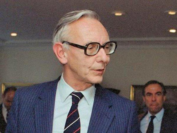 Макс ван дер Стул, еврокомиссар по правам человека