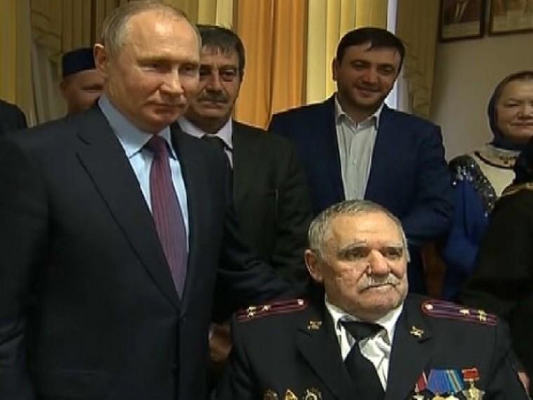 Путин обсудил спредставителями общественности ситуацию вДагестане
