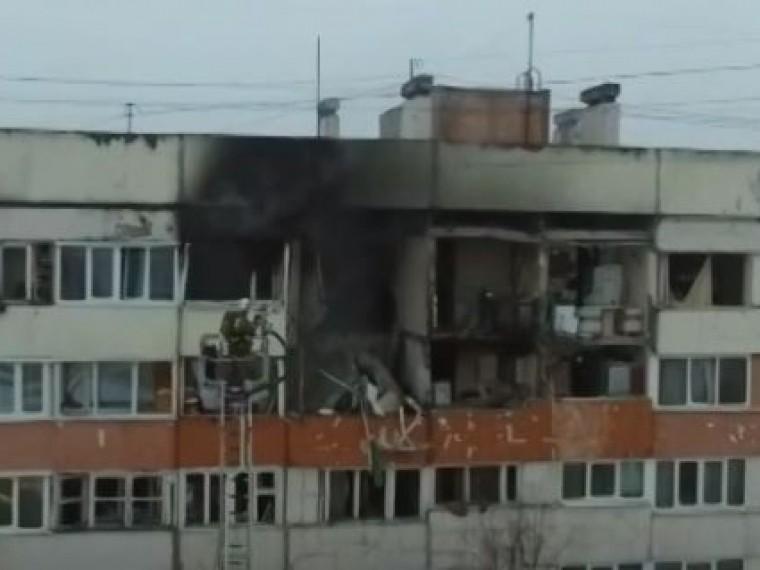 МЧС продолжает ликвидировать последствия взрыва газа вжилом доме вПетербурге
