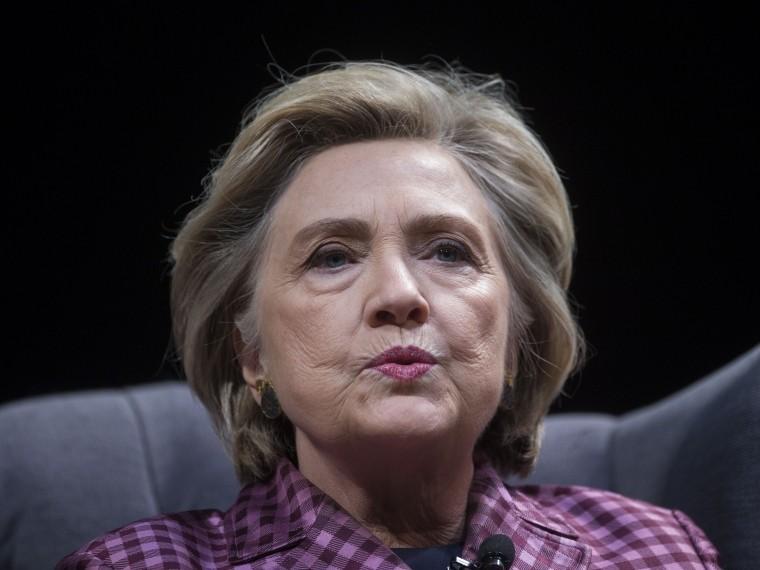 Травмпункт назначения: Хиллари Клинтон госпитализирована вИндии после падения вванной