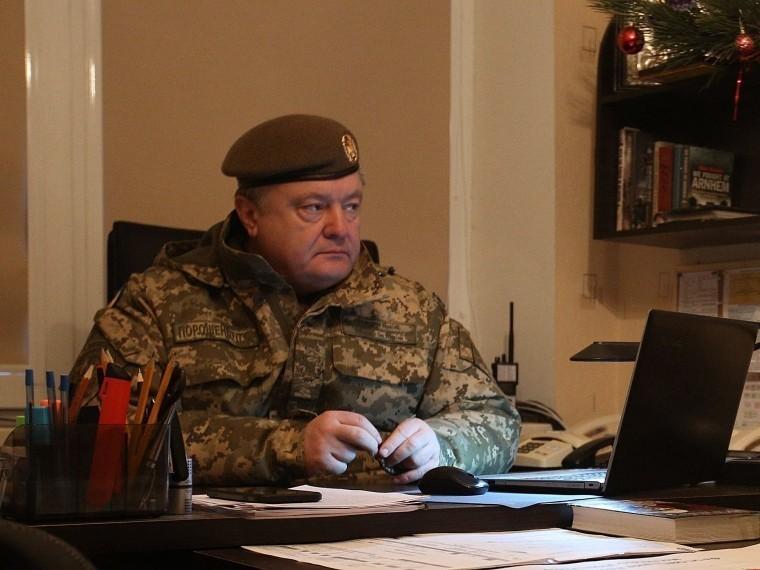 Слова Порошенко о«девяти граммах свинца» высмеяли вFacebook