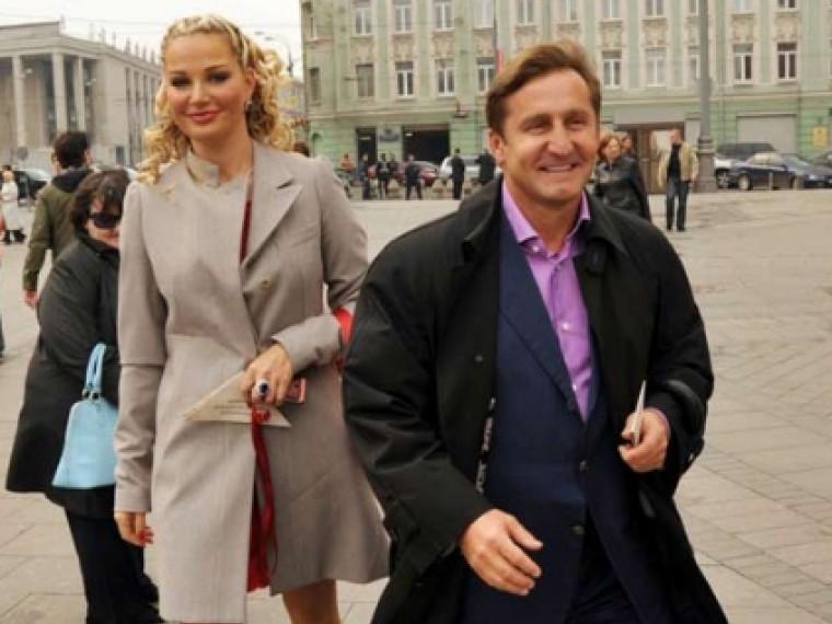 Украина просит Интерпол объявить врозыск бывшего гражданскогомужа Максаковой