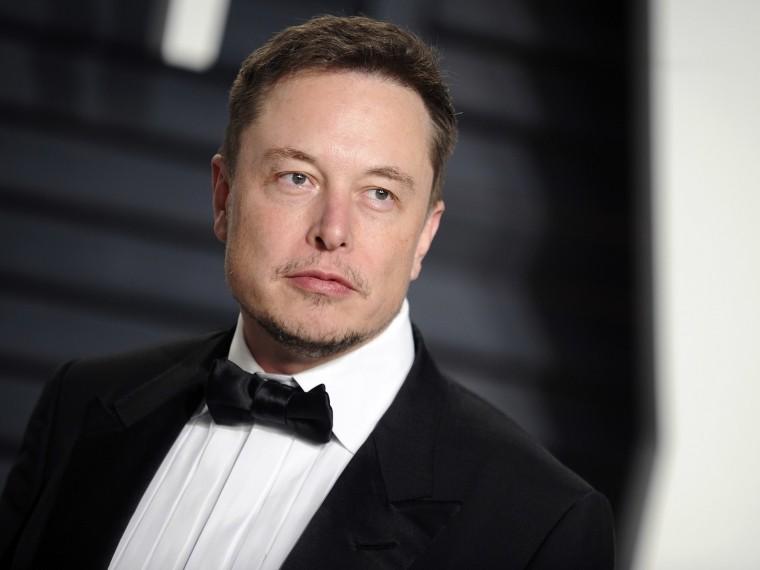 Tesla повысит ибез того немаленькую зарплату Илону Маску досамой большой вмире
