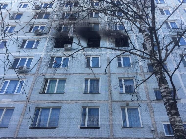 «Комнаты все выгорели»— очевидец рассказала острашном пожаре вжилом доме вМоскве