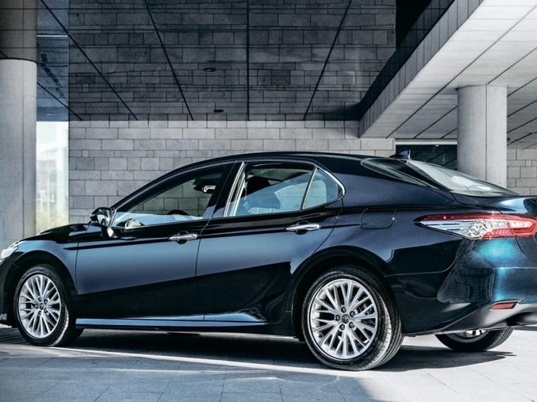 Toyota объявила оначале приема заказов наCamry нового поколения