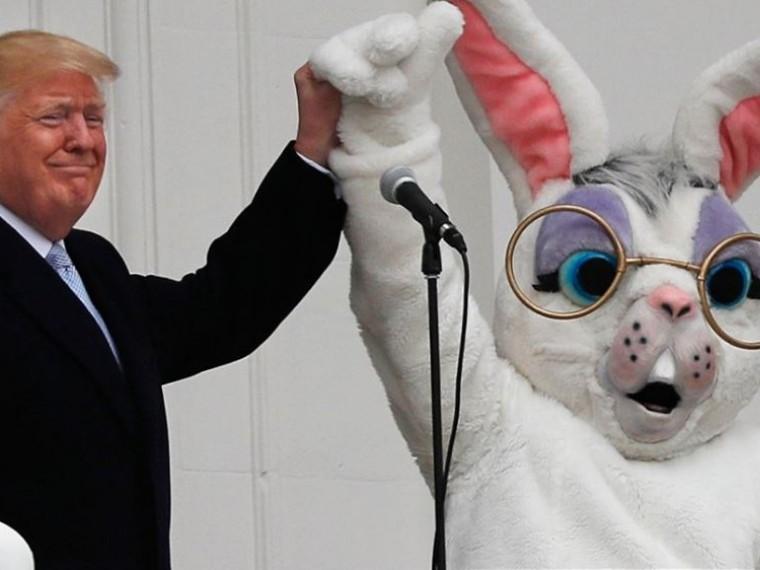 Трамп похвастался огромным военным бюджетом нафоне смешногопасхального кролика