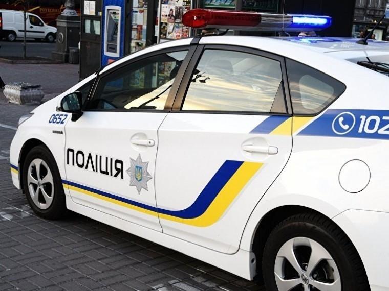 Упорные украинские полицейские весь вечер гонялись запьяным священником