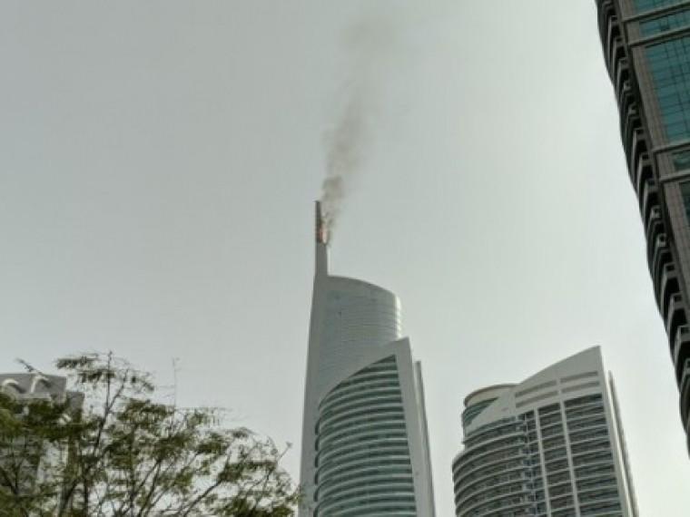 ВДубае100 человек эвакуировано изгорящего небоскрёба— опубликованы первые кадры