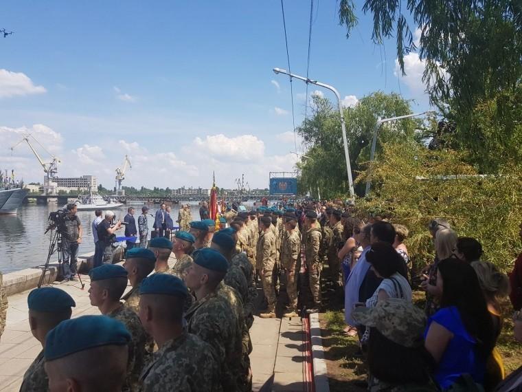 Украинские морпехи взбунтовалисьиз-за смены цвета беретов
