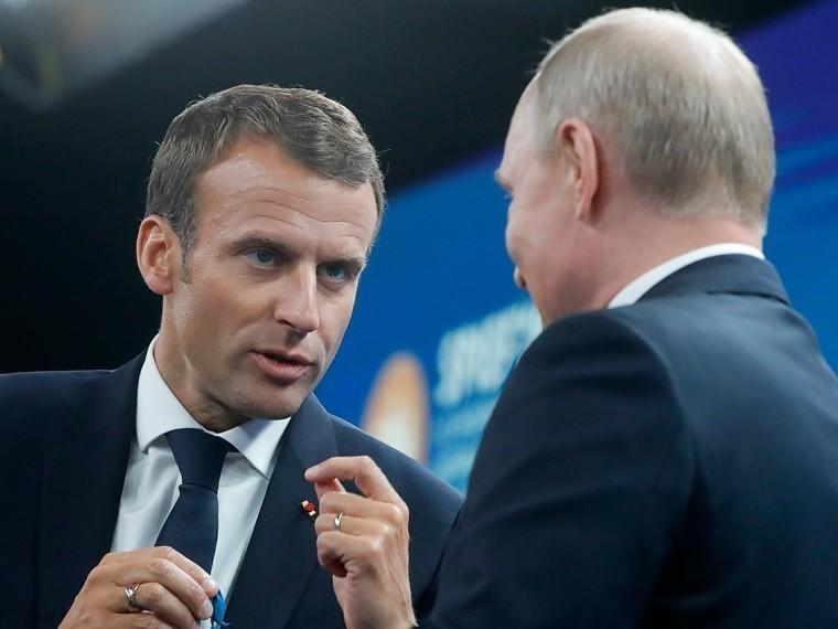 Путин, Макрон иАбэ посетили гала-прием «Звезды Белых ночей» вЦарском селе