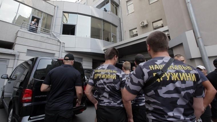 ВХарькове националисты устроили погром вздании городского совета
