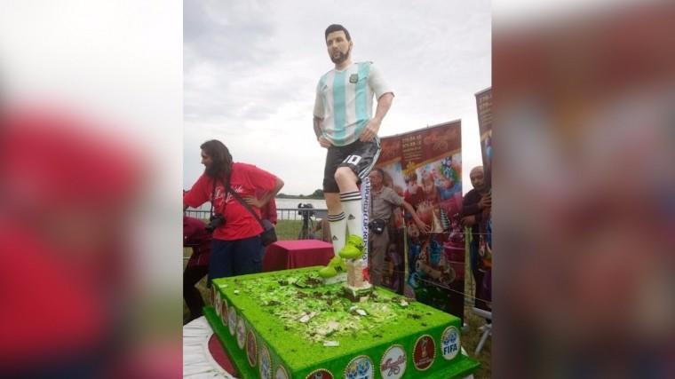 150-килограммовый торт испекли вчесть дня рождения Месси вПодмосковье