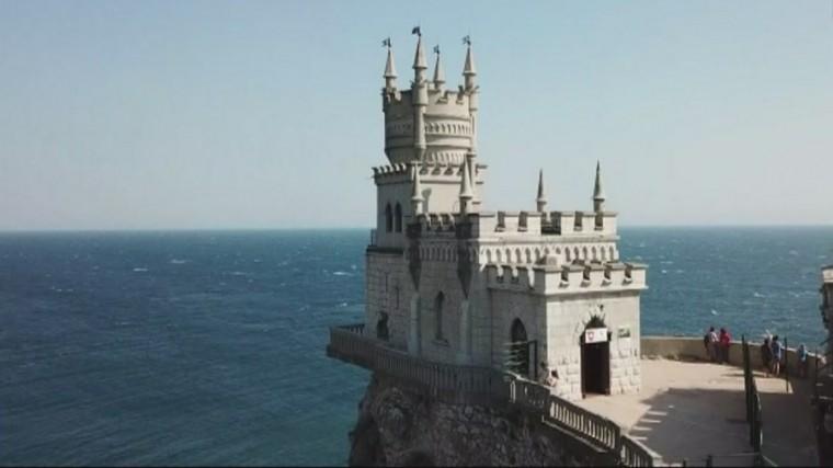 ВКрыму приступают креставрации замка «Ласточкино гнездо»