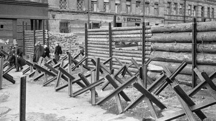 Блокадники потребовали запретить комедию оголодном Ленинграде